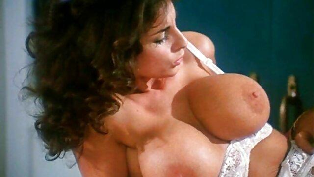 هالی وست شگفت انگیز عاشق اسباب بازی های جنسی و سوپر سکس رایگان مقعد است